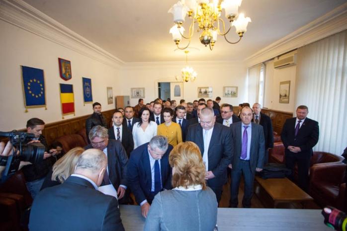 Liberalii clujeni s-au ]nscris oficial în cursa pentru Parlament  Foto Saul Pop