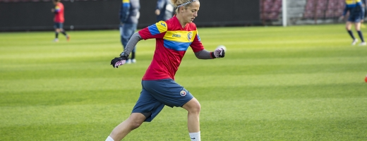 Ioana Borţan, căpitanul Olimpiei Cluj, una dintre oamenii de bază ai naţionalei. FOTO frf.ro