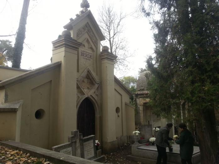 Cavourile cu clopoţel au devenit în trecut o modă în Europa, iar Clujul nu a făcut excepţie de la acest trend. Foto Mihai CISTELICAN