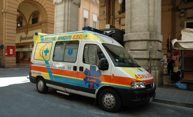 Medicii de pe ambulanţă ajunşi la faţa locului au fost nevoiţi să constate decesul românului. Sursa foto: Flickr.