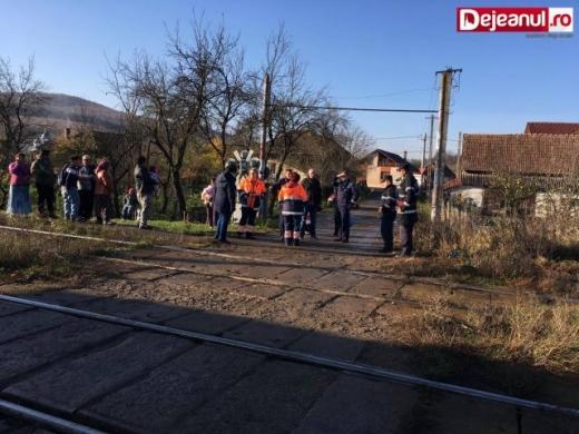 Medicii şi pompierii o caută pe minoră. Sursa foto: dejeanul.ro