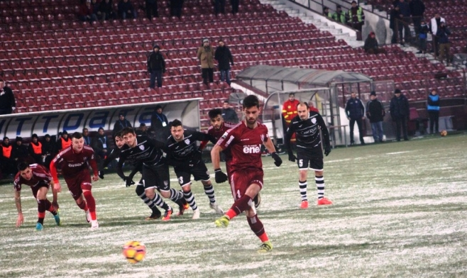 Nascimento a marcat 2 penalty-uri în ultimul joc de acasă din campionat al CFR-ului