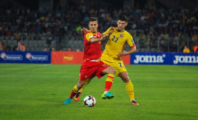 Jovetić, în duel cu Săpunaru în România - Muntenegru pe Cluj Arena. FOTO Saul POP / Monitorul de Cluj