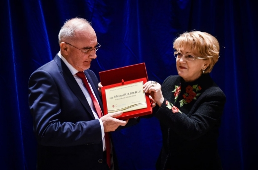 Distincția i-a fost înmânată președintelui grupului de firme CON-A de către primarul Astrid Fodor