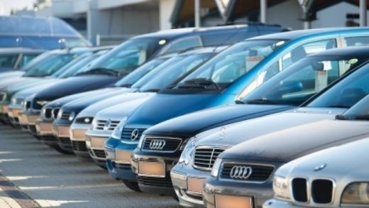 Scădere cu 65% a înmatriculărilor de autoturisme scumpe, noi și rulate, în ianuarie 2017