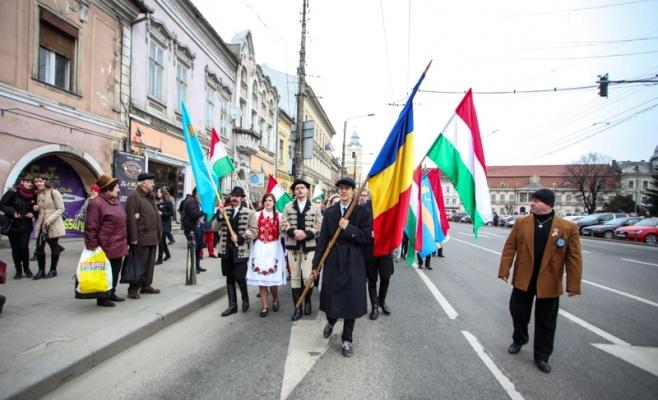 Ziua Maghiarilor de Pretutindeni este sărbătorită, miercuri, în mai multe oraşe din Transilvania, fiind comemoraţi eroii din timpul Revoluţiei Ungare de la 1848-1849