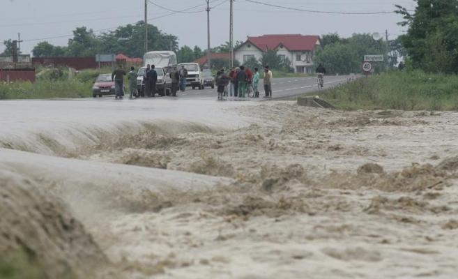 Meteorologii au emis atentionare de inundatii, dupa ce au anuntat ploi abundente pentru acest week-end