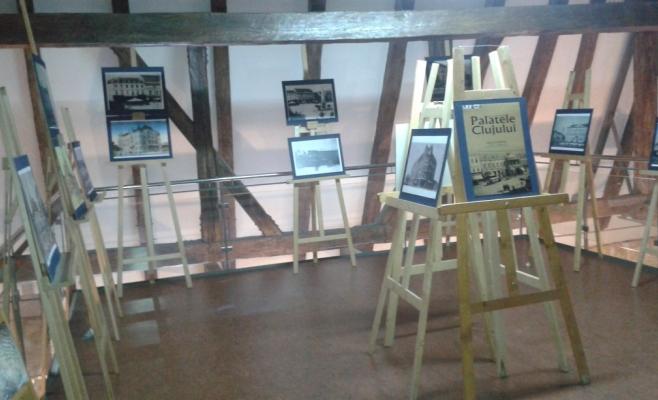Expoziţia, fără niciun vizitator, la câteva ore de la deschiderea sa