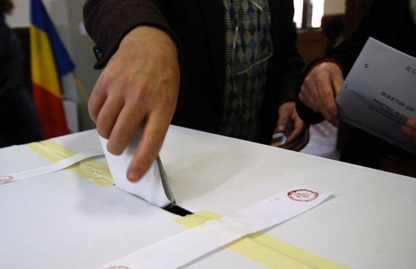 PNL vrea  primari alesi în două tururi