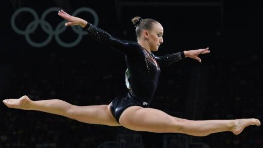 Sanne Weavers a câştigat aurul la Olimpiada de la Rio din 2016, reuşind să ia faţa gimnastelor americane. FOTO nos.nl