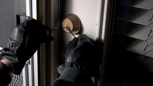 Un hot de locuinte a fost prins de politistii din Cluj