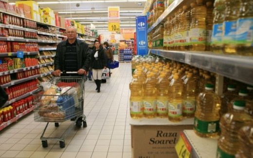 Două treimi din cheltuielile românilor se duc pe alimente. Care sunt produsele cele mai apreciate în România.