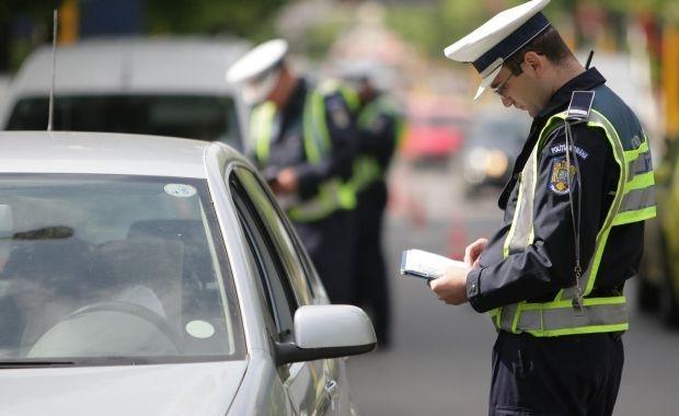 Proiect: Şoferii cărora li se suspendă permisul să aleagă dacă vor folosi dovada timp de 15 zile