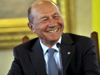 Băsescu, replică pentru Kelemen Hunor care l-a acuzat că a cerşit de două ori voturile maghiarilor şi secuilor: Pe Năstase şi Geoană i-am bătut de i-am snopit în ungurime, fără UDMR
