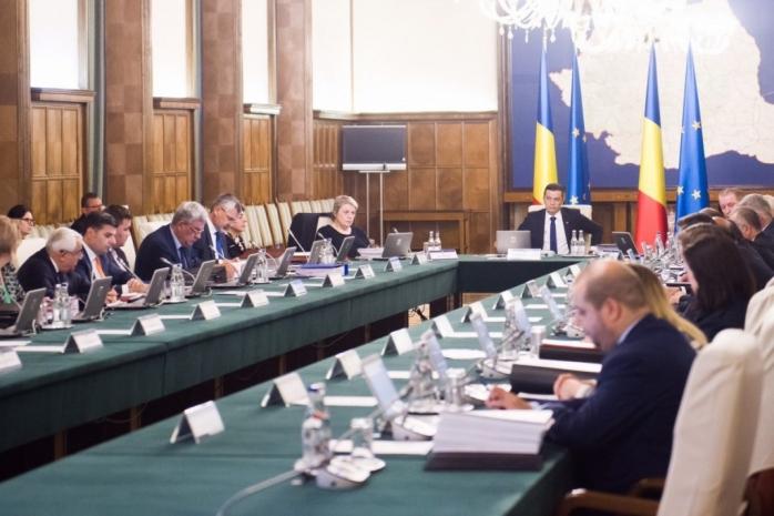 Guvernul Grindeanu a fost demis. Mircea Drăghici, parlamentar PSD, după numărătoarea voturilor: MOŢIUNEA de cenzură a trecut cu 241 de voturi pentru, 10 împotrivă