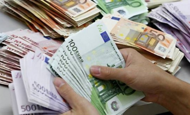 """""""Revoluția"""" fiscală a PSD readuce euro la 4,6 lei"""