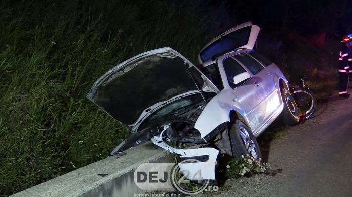 ACCIDENT în localitatea Vad – O mașină S-A IZBIT de un capăt de podeț  sursa fot dej24.ro