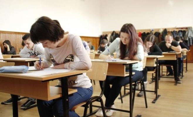 """Elevii critică modul în care s-au corectat lucrările la examenul de bacalaureat: """"Deplorabil!"""""""