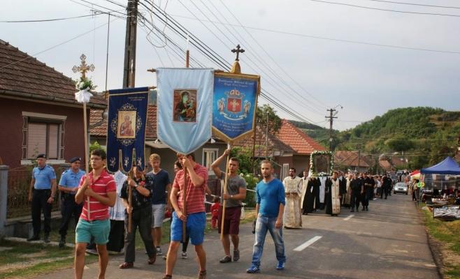 Continuă Pelerinajul greco-catolic la Nicula