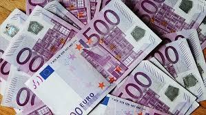 Euro la maximul ultimelor două luni
