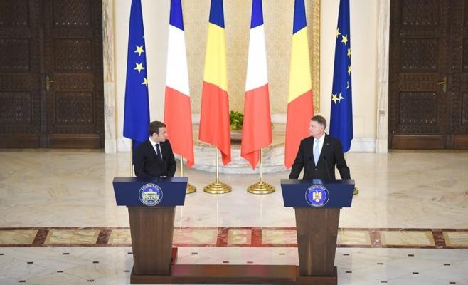 Vizita lui Macron în ROMÂNIA. Preşedintele Franţei vrea reformarea Spaţiului Schengen şi cere susţinerea României  Sursa foto Facebook Klaus Iohannis