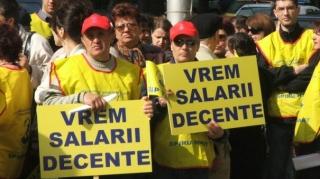 Profesorii ameninţă cu proteste dacă Guvernul nu rezolvă problemele salariale  Foto arhiva