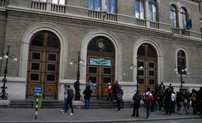 Aproape 3.000 de candidaţi înscrişi la UBB în sesiunea de toamnă a Admiterii