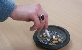 Modificarea legii ANTIFUMAT, dezbătută în comisie; legea ar putea fi înăsprită şi s-ar putea extinde la INTERDICŢIA de a fuma în autoturisme, în anumite condiţii