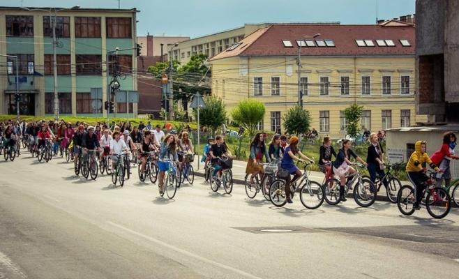 Marş al bicicliştilor în centrul Clujului  Foto arhiva