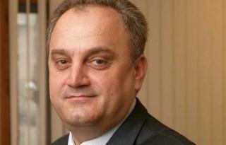 Fostul ministru Gabriel Sandu a depus o plângere la DNA în care face referiri la Băsescu, Udrea, Boc, Coldea şi Ghiţă
