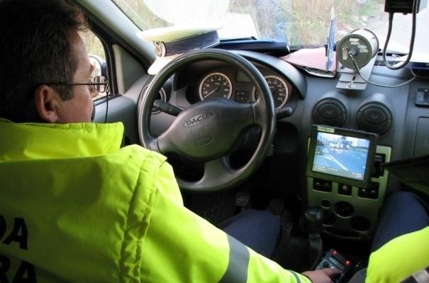 Şofer prins cu peste 100 km/h în Iclod.  Ce alte nereguli au mai găsit poliţiştii.