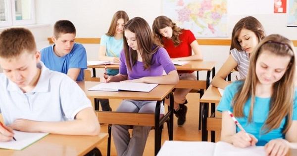 Cursurile școlare ar trebui să înceapă după 08.30
