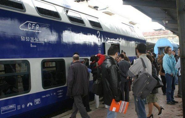 Veste proastă pentru studenţi: Nu mai au toţi gratuitate la transportul feroviar