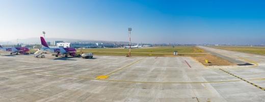 """O nouă platformă de staţionare aeronave laa AeroportuL  Internaţional """"Avram Iancu"""" Cluj"""