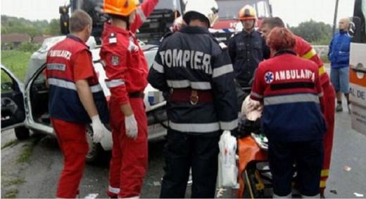 Accident în localitatea Mihai Viteazu, din cauza lipsei de prioritate