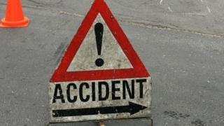 Accident grav pe Bulevardul Muncii Un pieton a fost lovit de o autoutilitară.