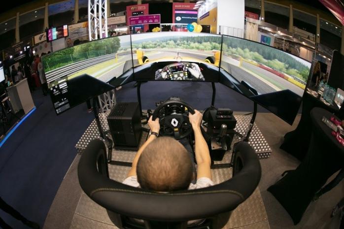 Renault aduce la Cluj unul dintre cele mai avansate simulatoare de racing din lume, același pe care piloții Renault se antrenează pentru etapele de Grand Prix