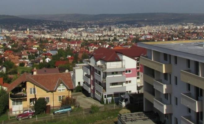 Apartamentele s-au ieftinit în Bucureşti, dar s-au scumpit în restul ţării. Care sunt preţurile la Cluj