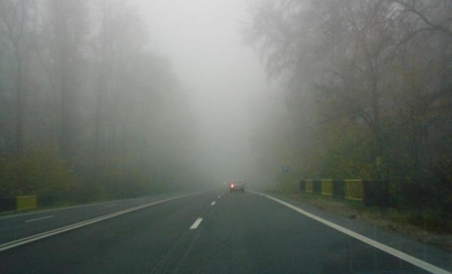 Ceaţă şi vizibilitate redusă la Cluj