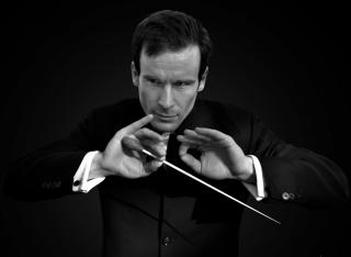 Concert vocal-simfonic de deschidere a Festivalului Mozart, la Filarmonică   Vladimir Kulenovic