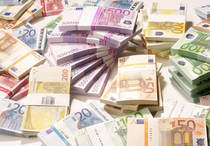 Revoluția lovește din nou: Euro la un nou maxim istoric