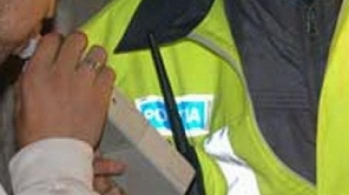 Şoferi sub influenţa alcoolului depistaţi în trafic de poliţişti
