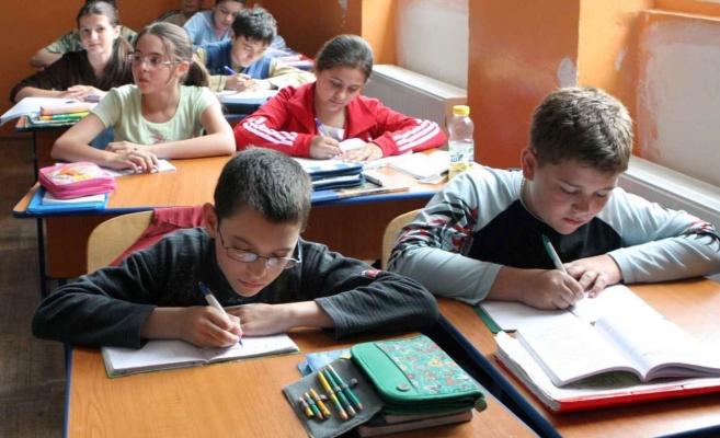 Ministrul Educaţiei: În următorii trei ani procentul elevilor care nu continuă școala trebuie redus la sub 1,5%