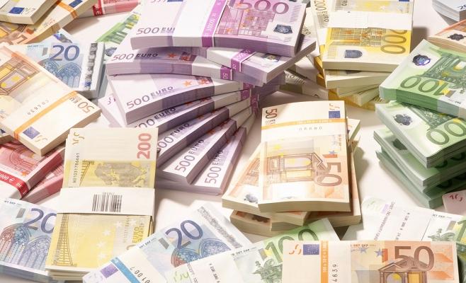 Aproape două săptămâni cu euro la 4,63 lei