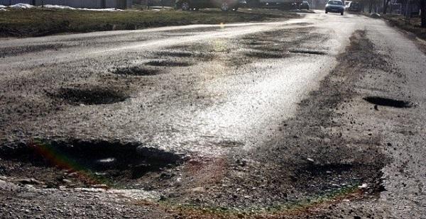Starea drumurilor, în topul cauzelor care scad gradul de siguranță rutieră