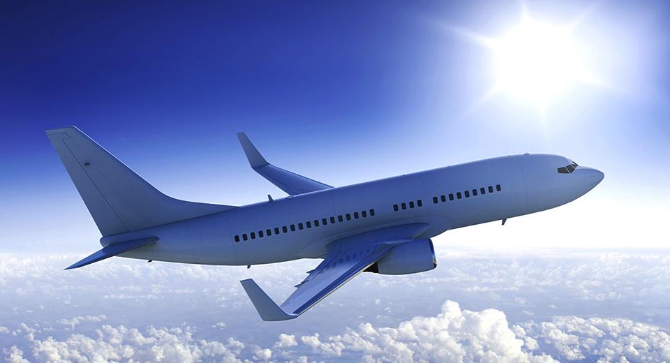românii pot economisi până la 56 din preţul biletului de avion
