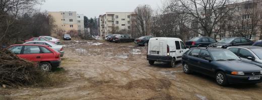 Locul unde va fi construit parkingul de pe Primăverii