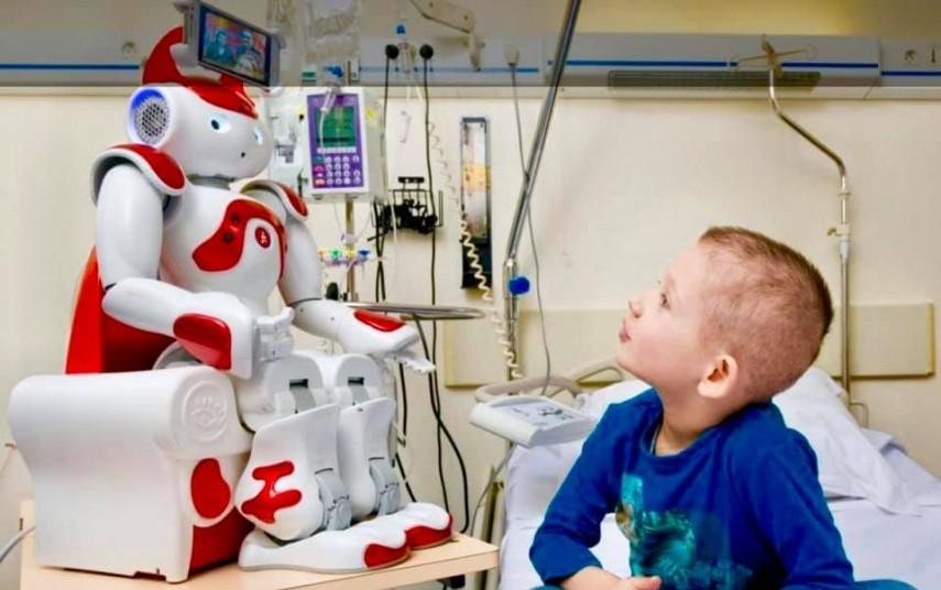 tratarea centrelor cu roboți)