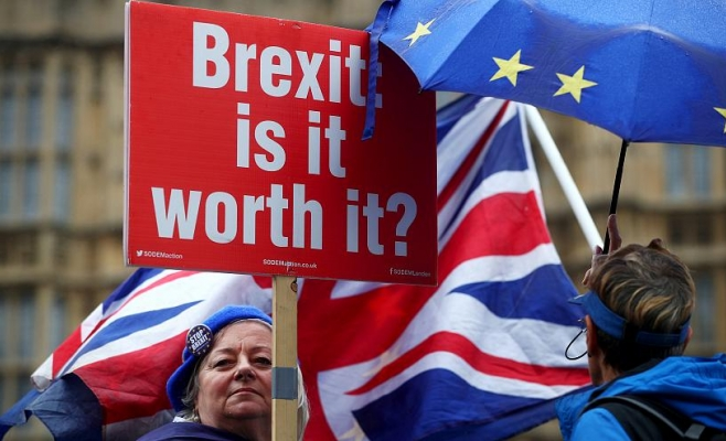 Romanii pleaca din Marea Britanie din cauza Brexit