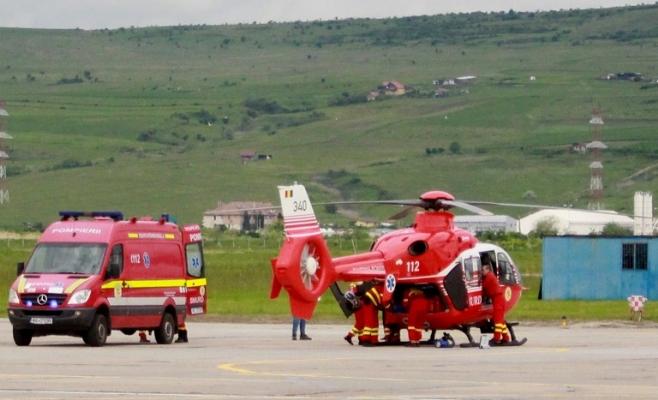 Fetiță căzută de la etaj, transportată de urgență cu elicopterul SMURD la Cluj-Napoca